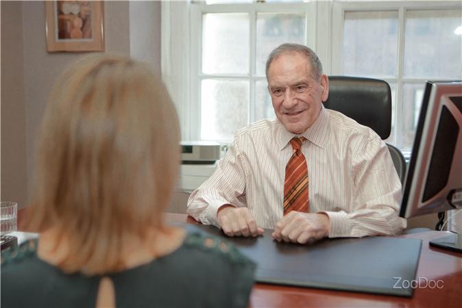 Dr  Daniel Kuhn, MD   Daniel Kuhn, M D  P C , New York, NY